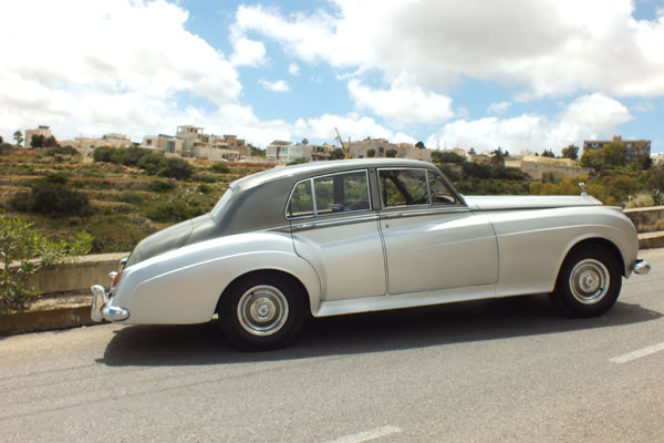 silver-rolls-royce-wedding-cars-malta