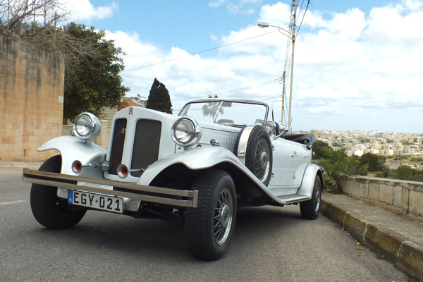 white-silver-beauford-wedding-cars-malta